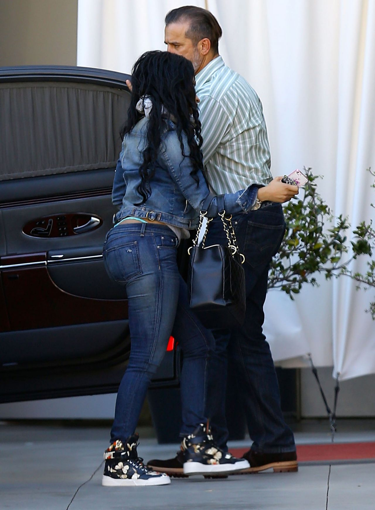 Nicki's butt in jeans makes you want to smack that ass!