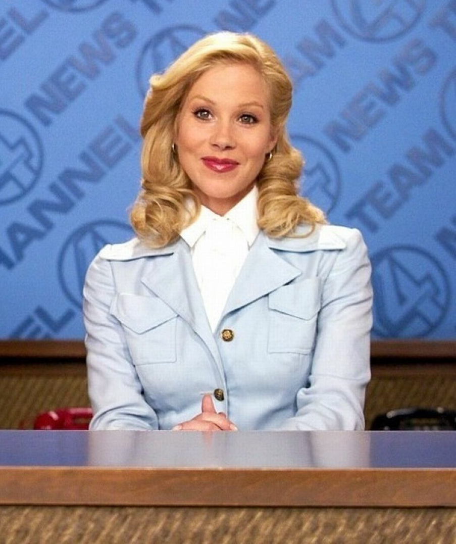 Christina Applegate Nipple Slip Top 10 sexy photos of anchorman actress christina applegate - celebs