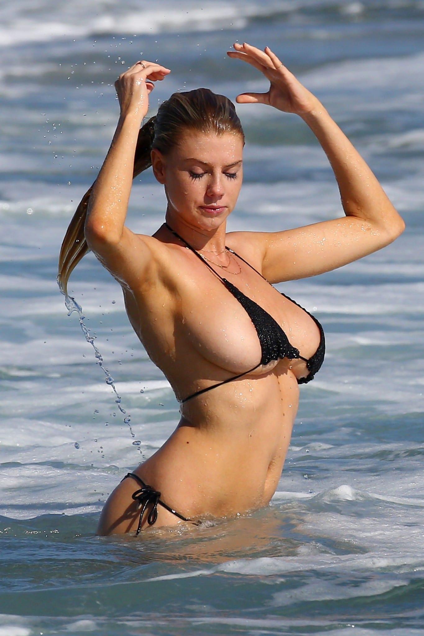 Bikini world kramer