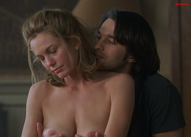 most nude scenes in a movie № 57008