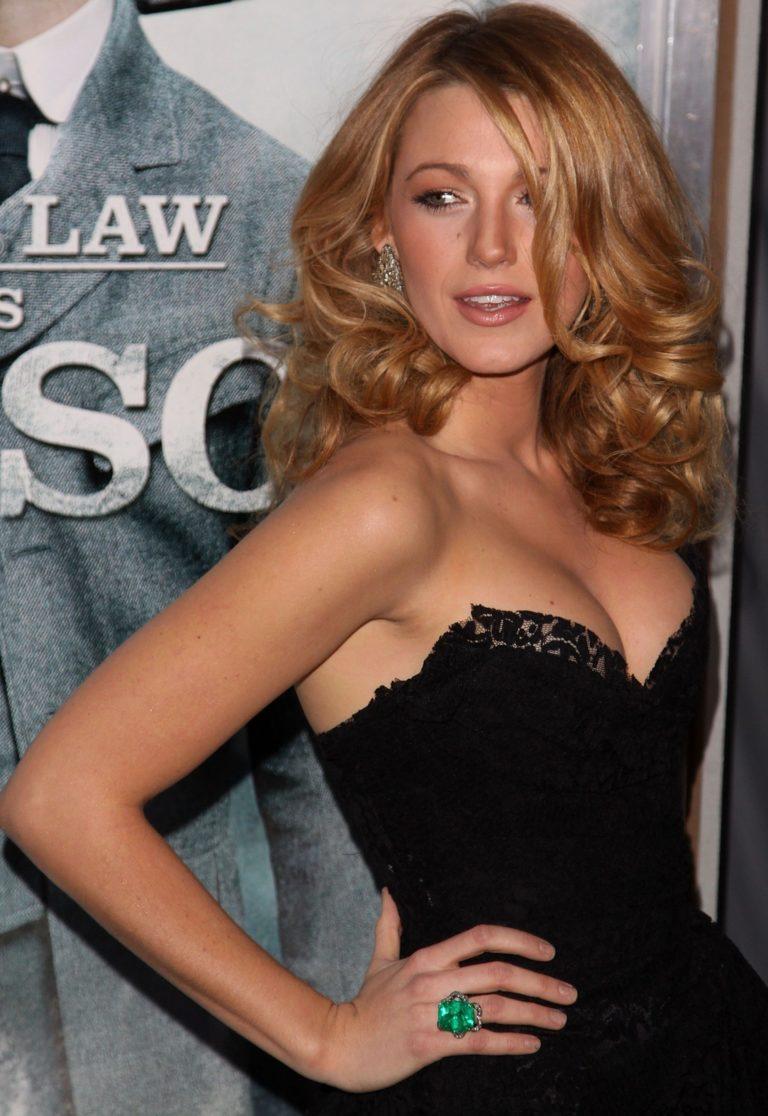 Blake Lively Sexy (8)