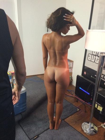 rihanna naked bum