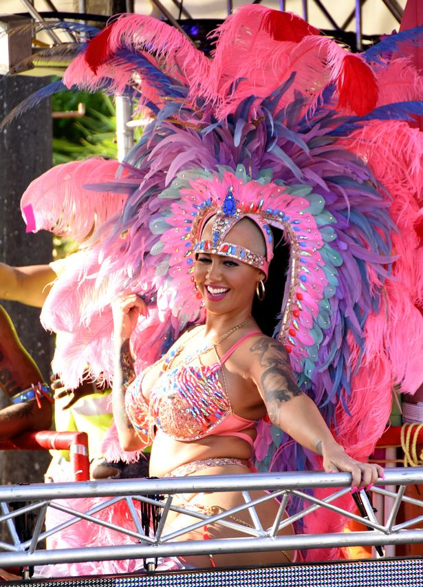 Blac Chyna and Amber Rose naughty carnival pics (4)