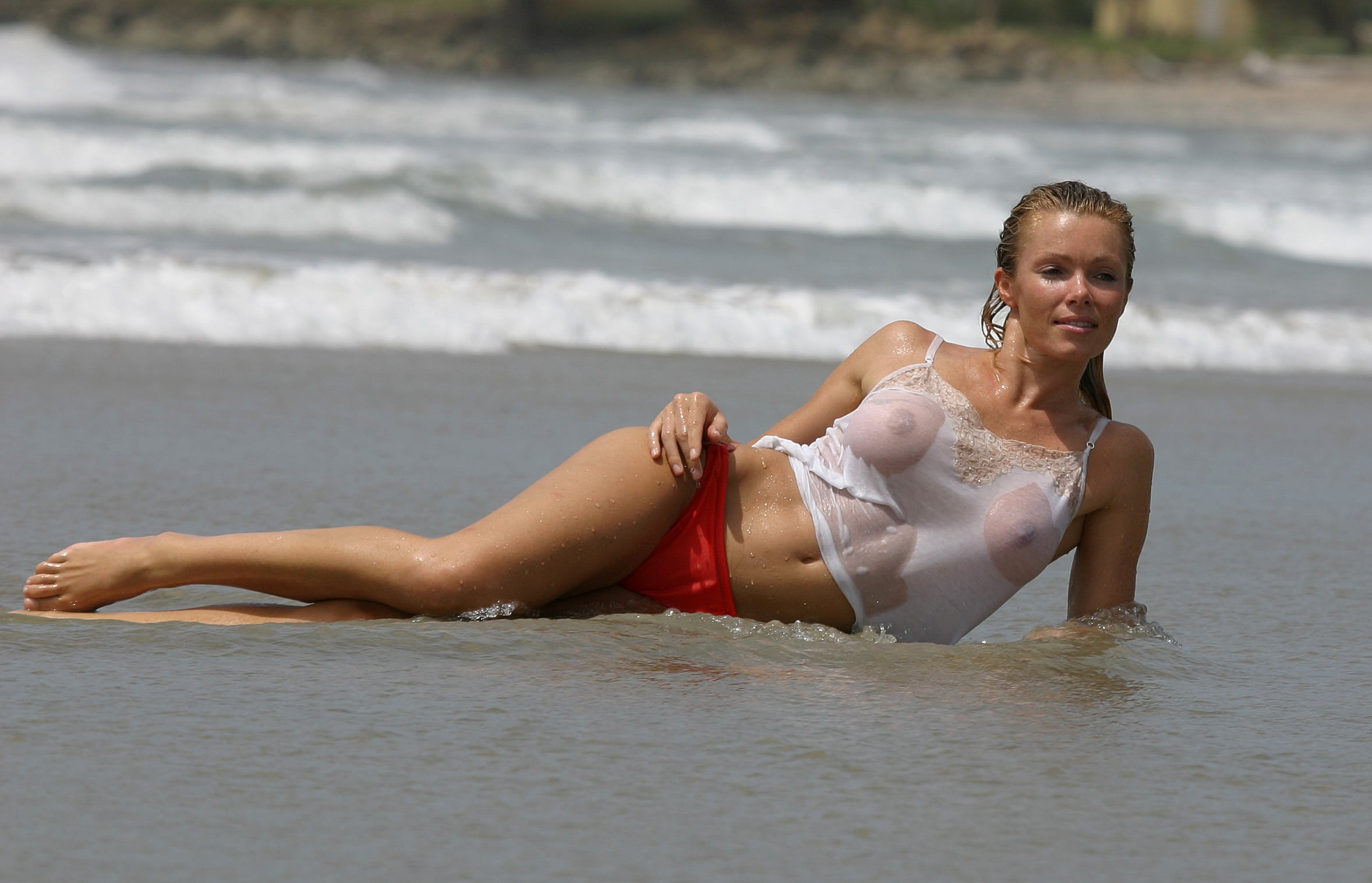 girls-nell-mcandrew-naked-pictures-anal