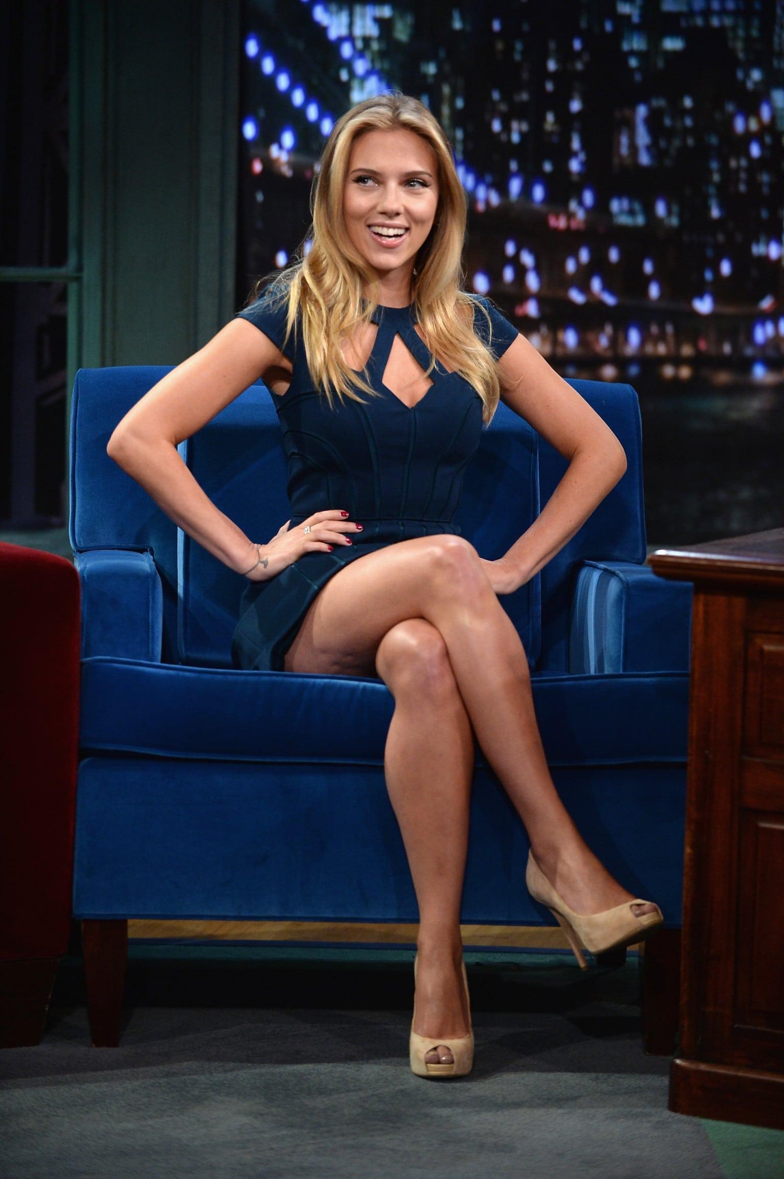 Scarlett Johansson sexy pics (3)