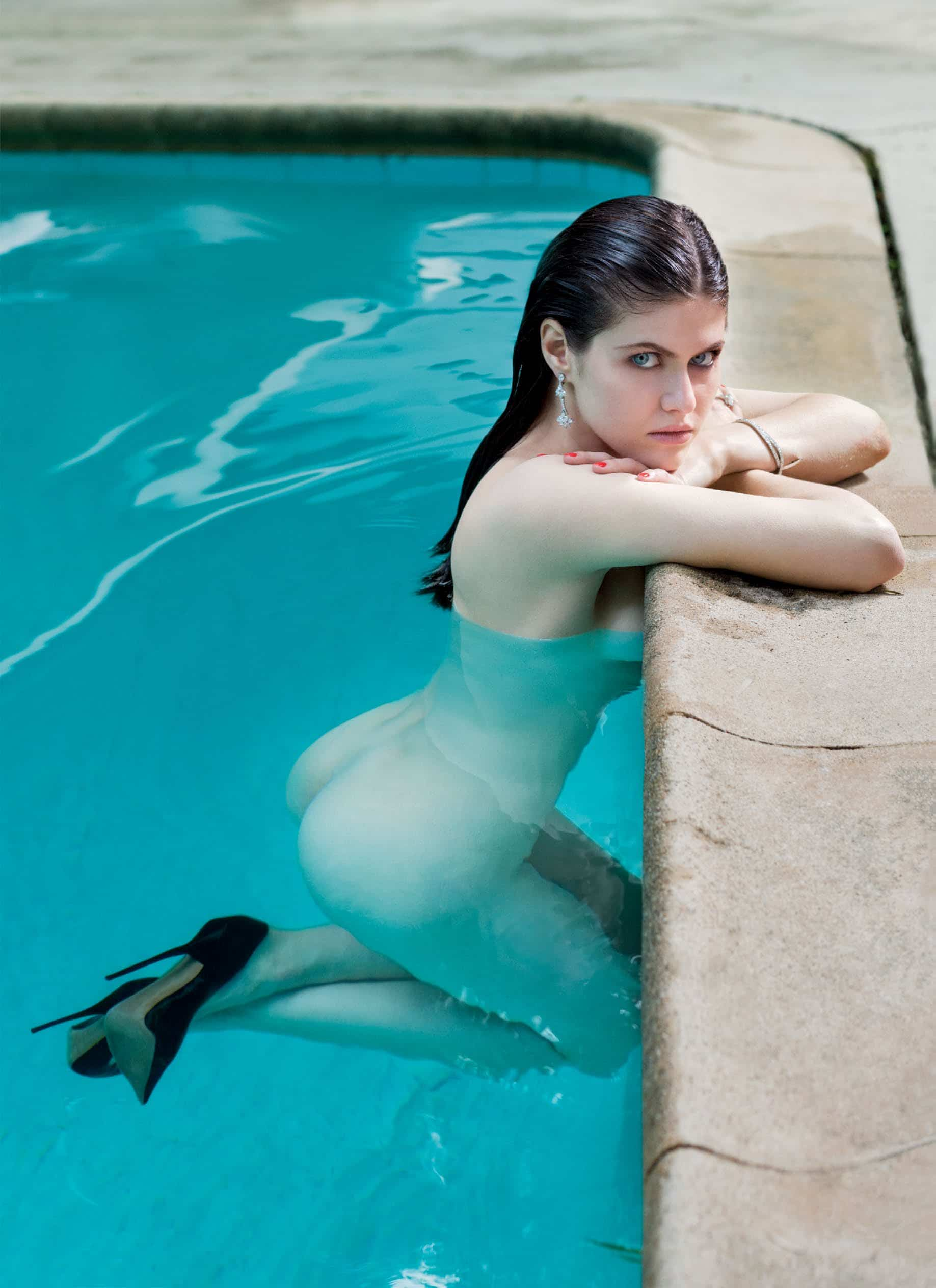 new: alexandra daddario nude collection - hd pic & videos!