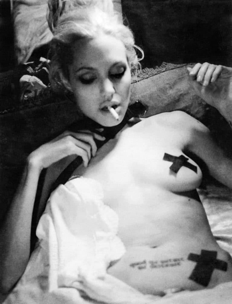 Angelina Jolie naked photoshoot (4)