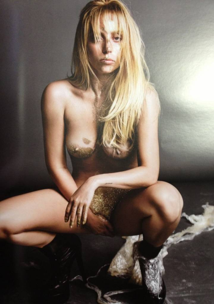 NUDIST LADY A GAGA AS