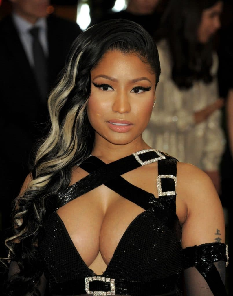 Nicki Minaj Exposed Cleavage (3)