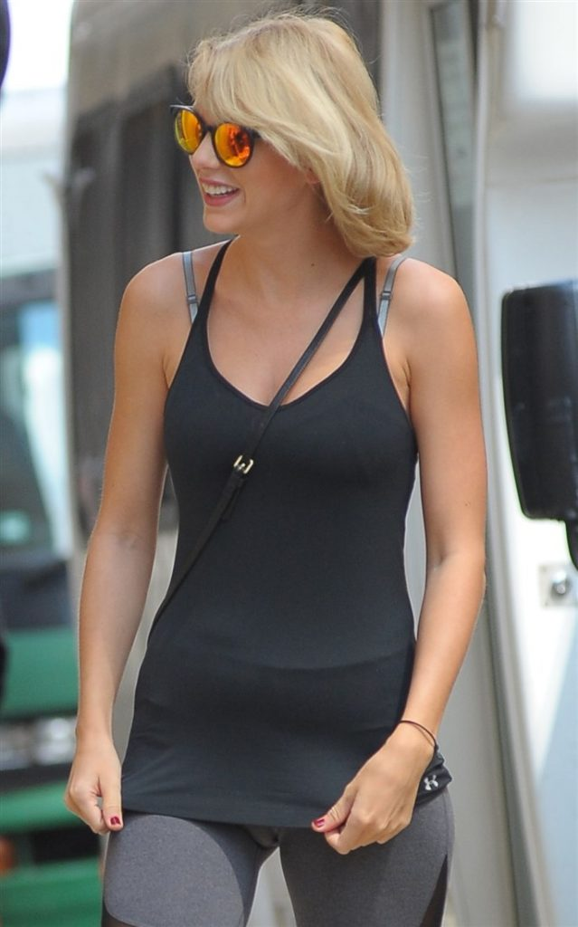 Taylor Swift camel toe on her way to the gym