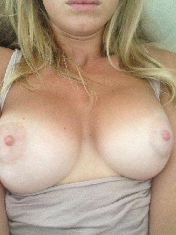 Bella thorne sexy af on instagram 4