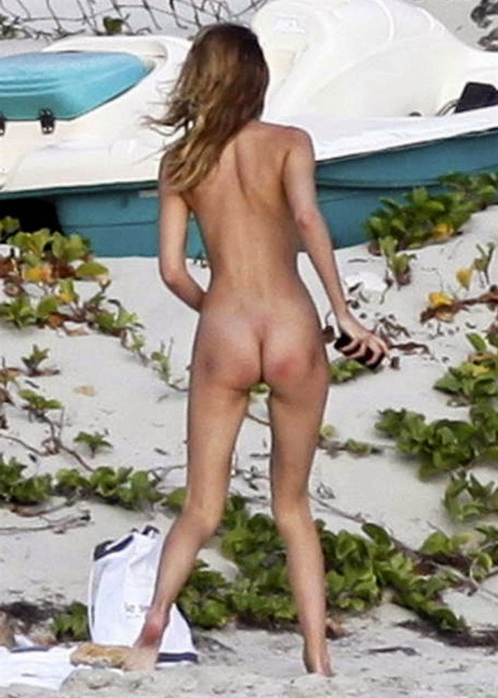Amateur Sex am FKK Strand von Voyeur gefilmt