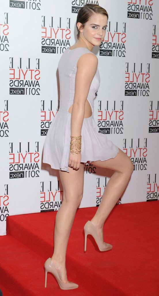 gorgeous pic of emma watson showing off her nice legs in mini dress