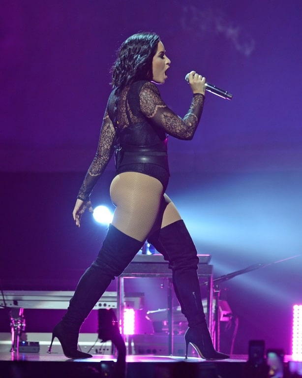 Demi Lovato singing in concert with high thighs on and showing off her big ass