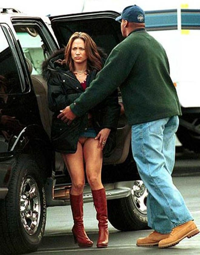 JLo's pussy revealed while getting out of car