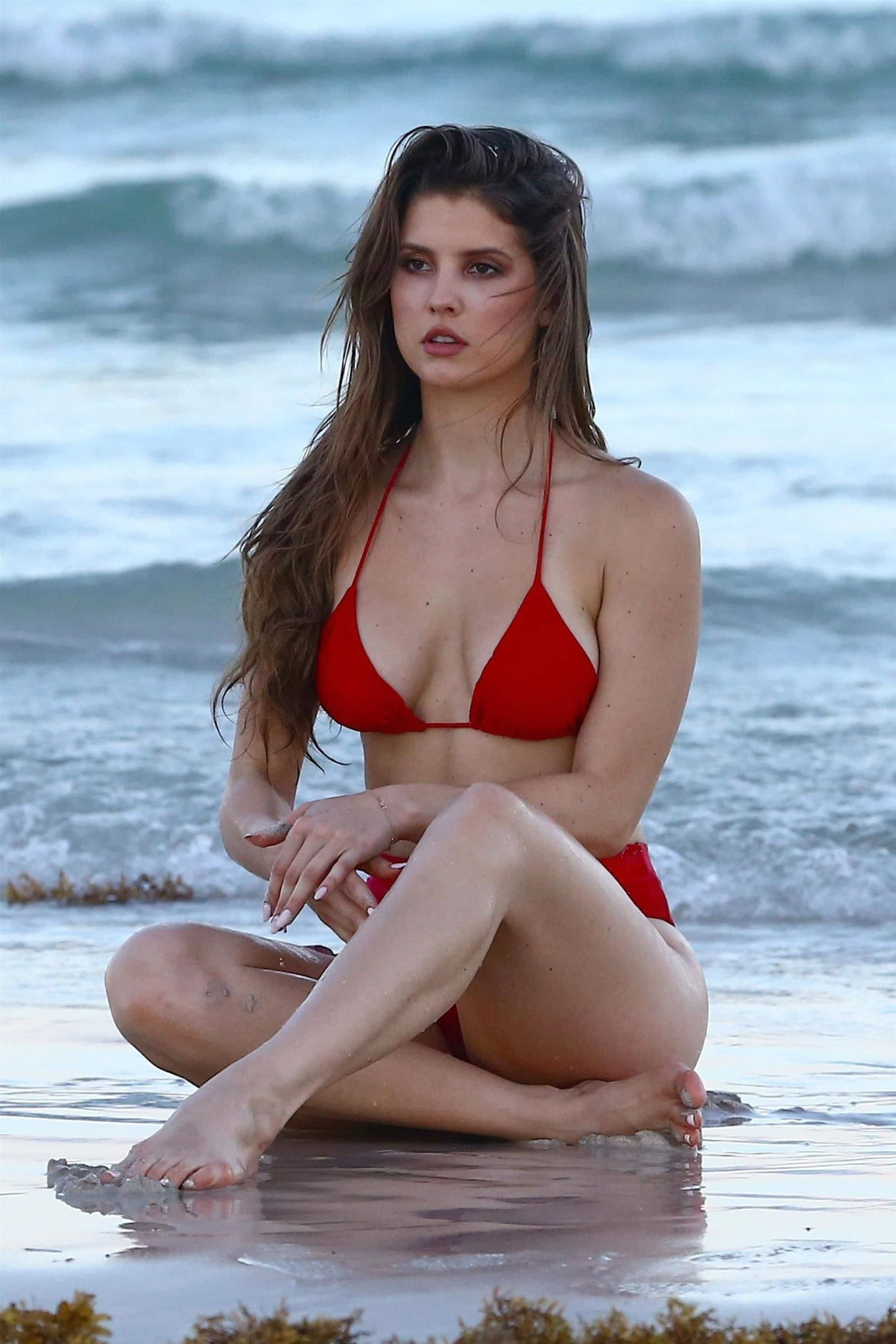 Amanda Cerny naked