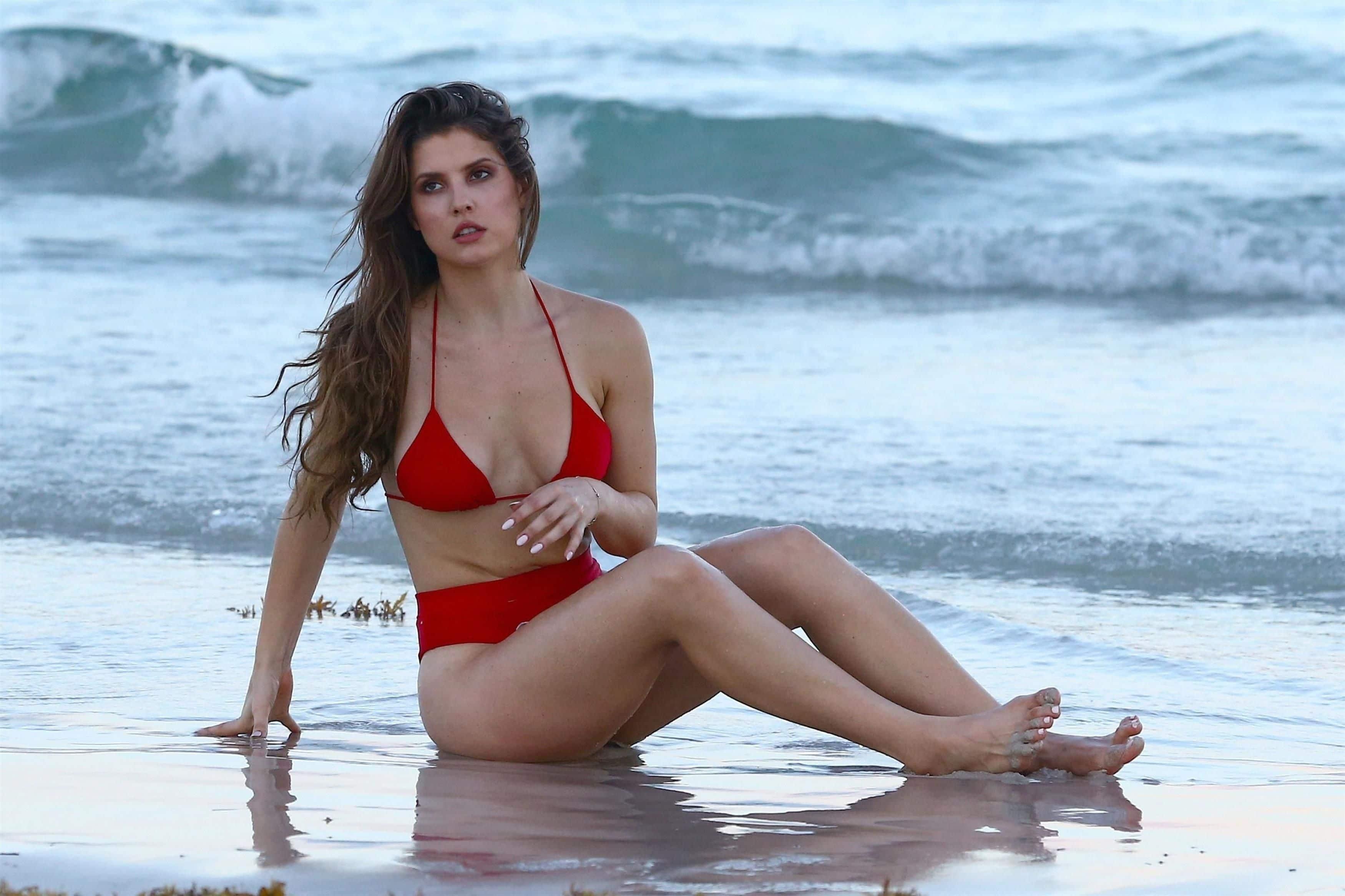 Amanda Cerny sexy nude pic