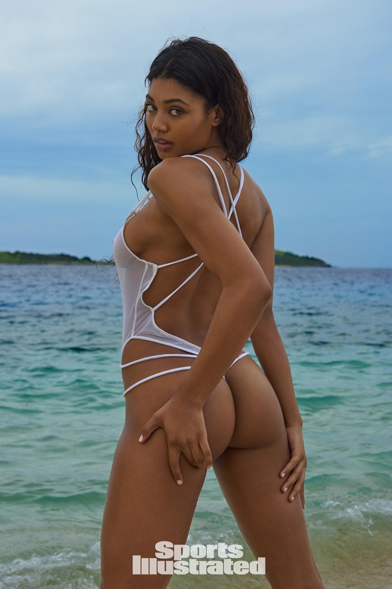 Danielle Herrington booty