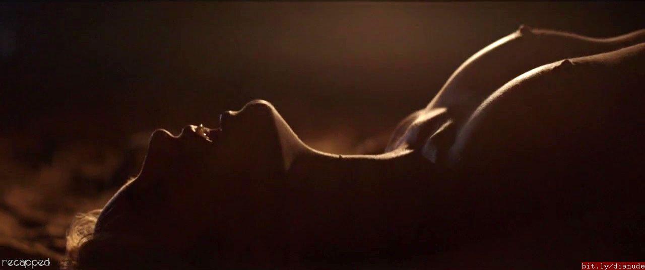 Dianna Agron naked
