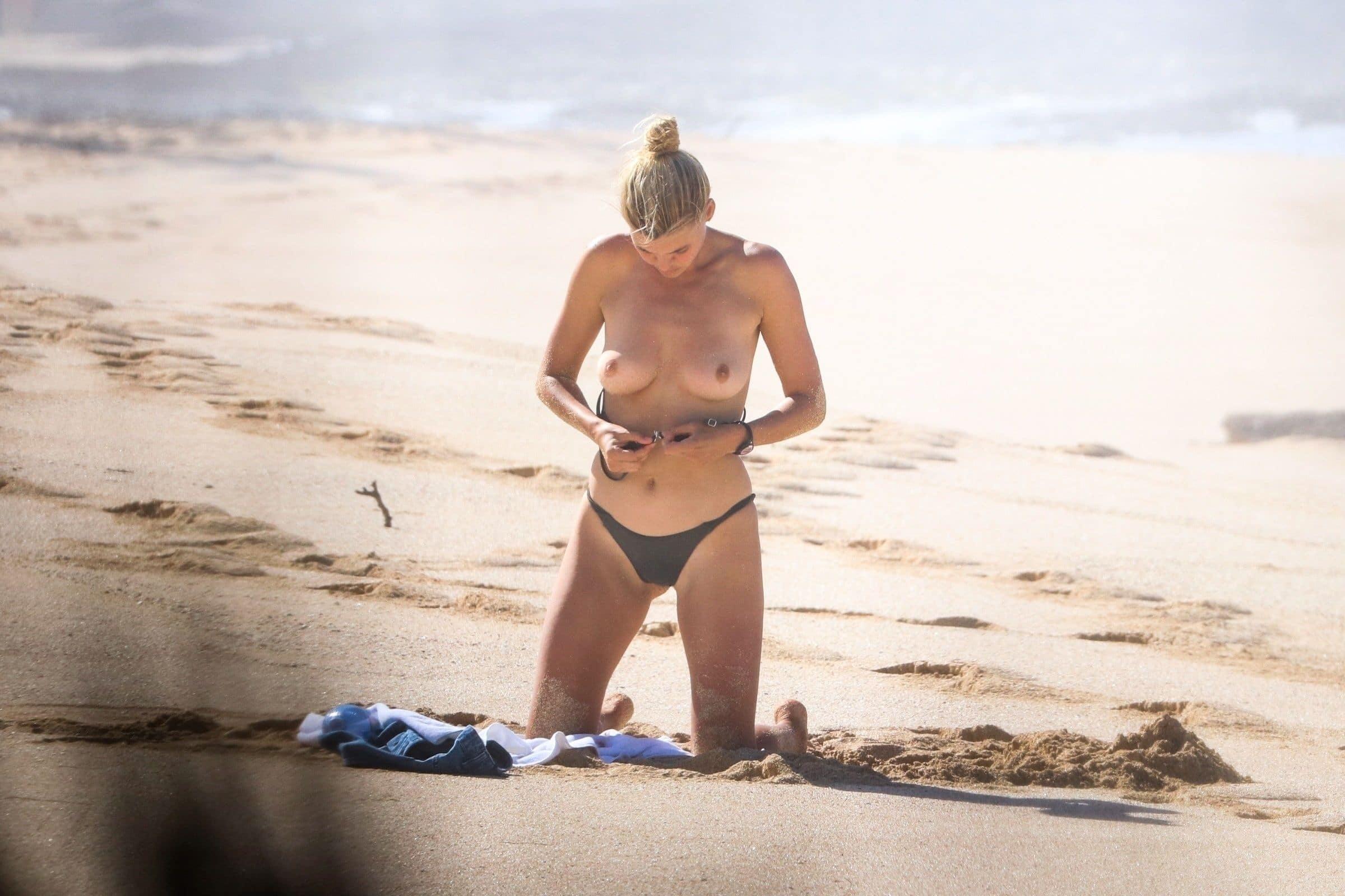 Kelly Rohrbach booty