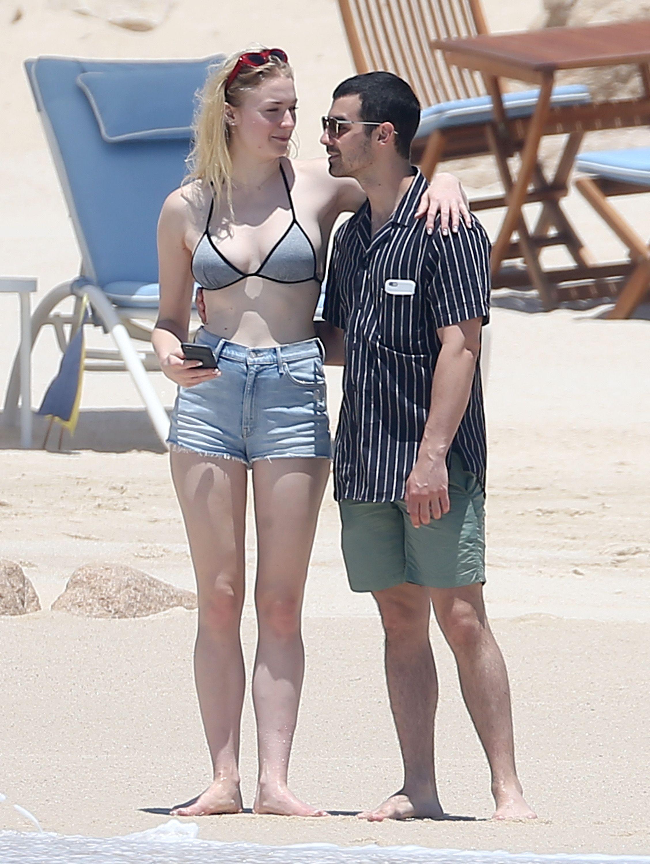 Sophie Turner exposing boobs