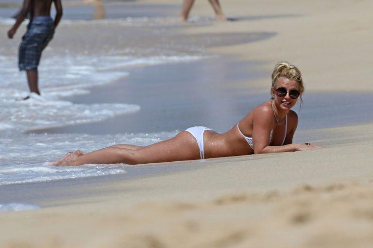 Britney Spears hot bikini body