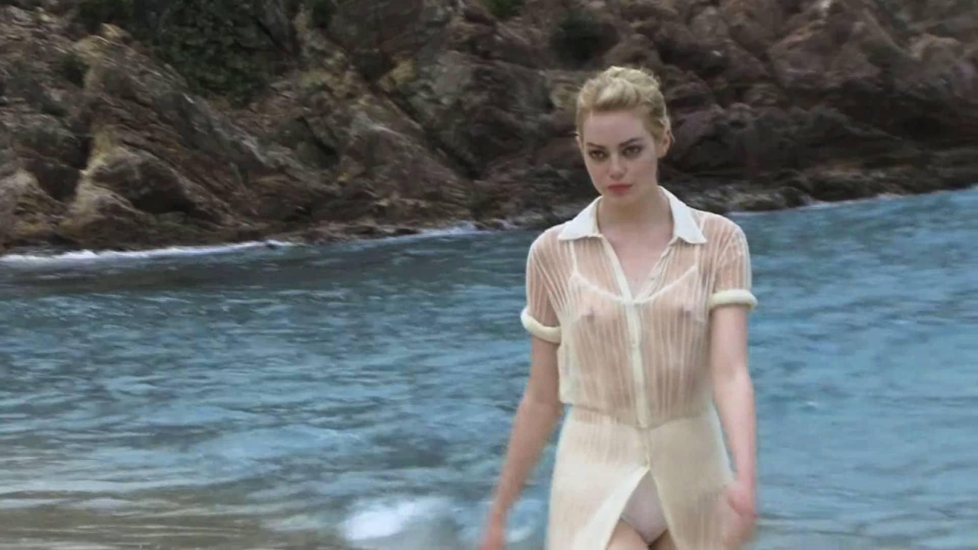 Emma Stone big tits