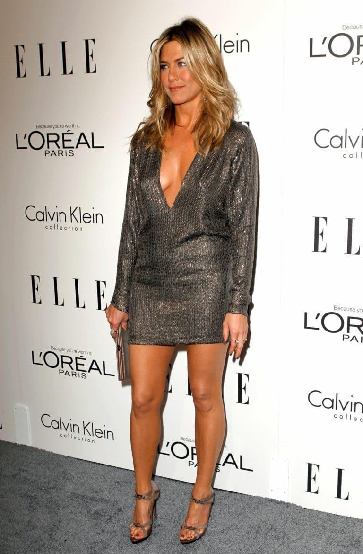 Jennifer Aniston Sexy Legs