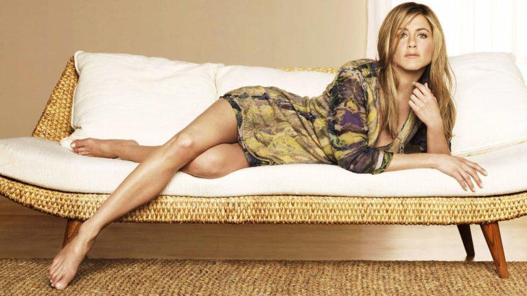Jennifer Aniston beautiful legs