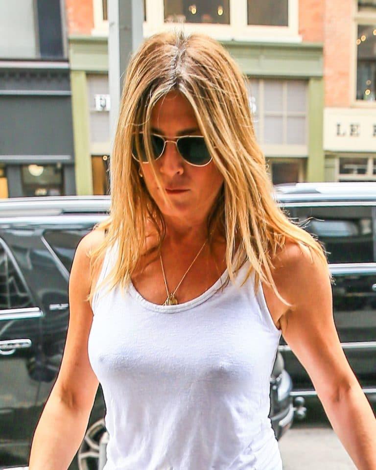 Jennifer Aniston big boobs
