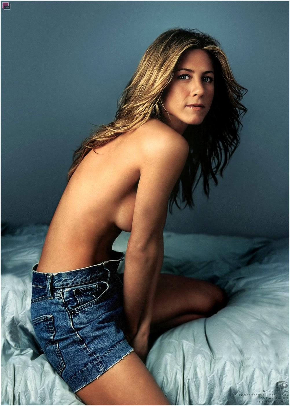 Jennifer Aniston topless big boobs