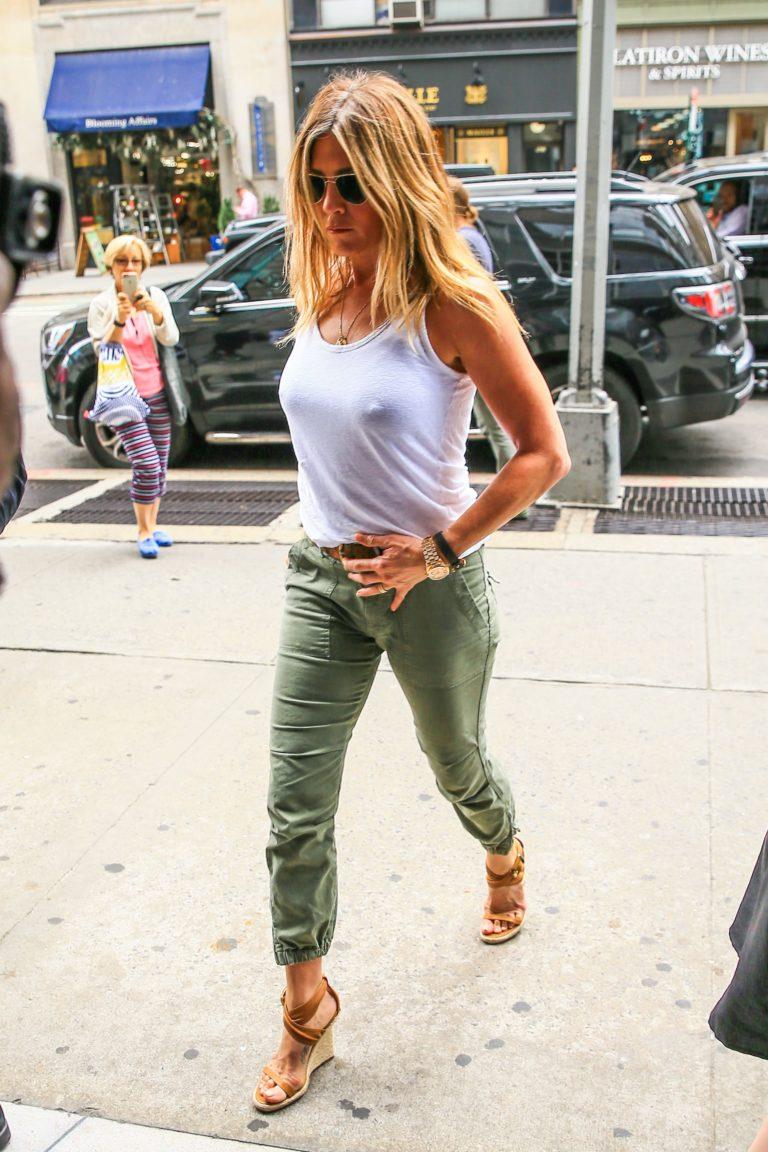 Jennifer Aniston in heels