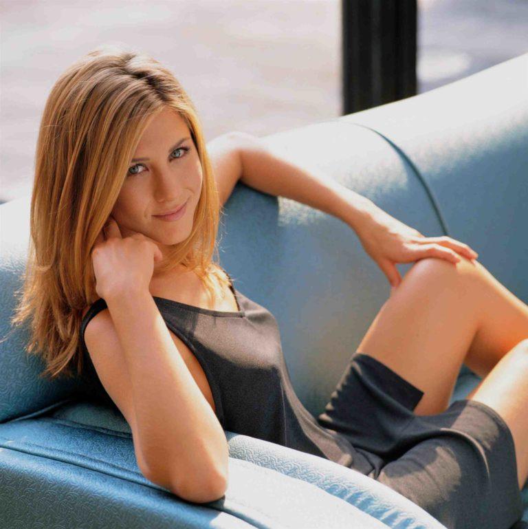 Jennifer Aniston hot boobs