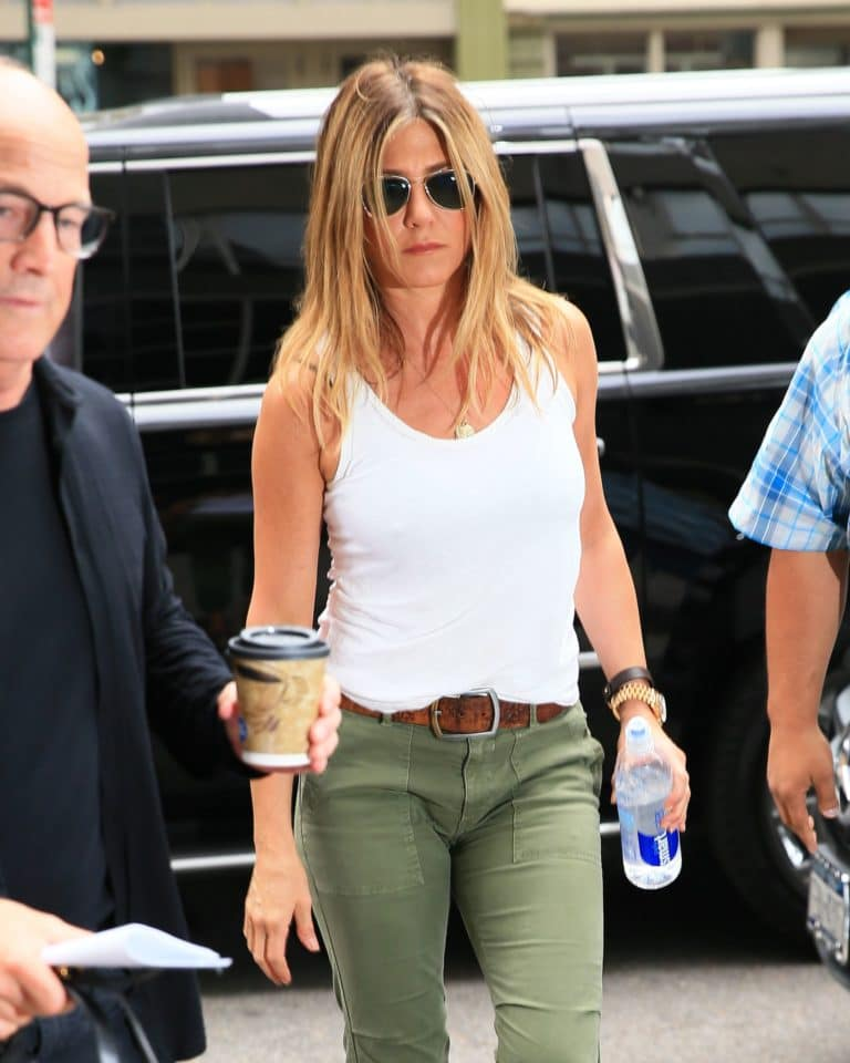 Jennifer Aniston nice tits