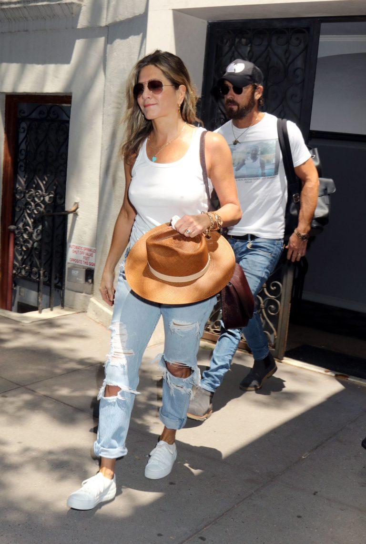 Jennifer Aniston white t-shirt