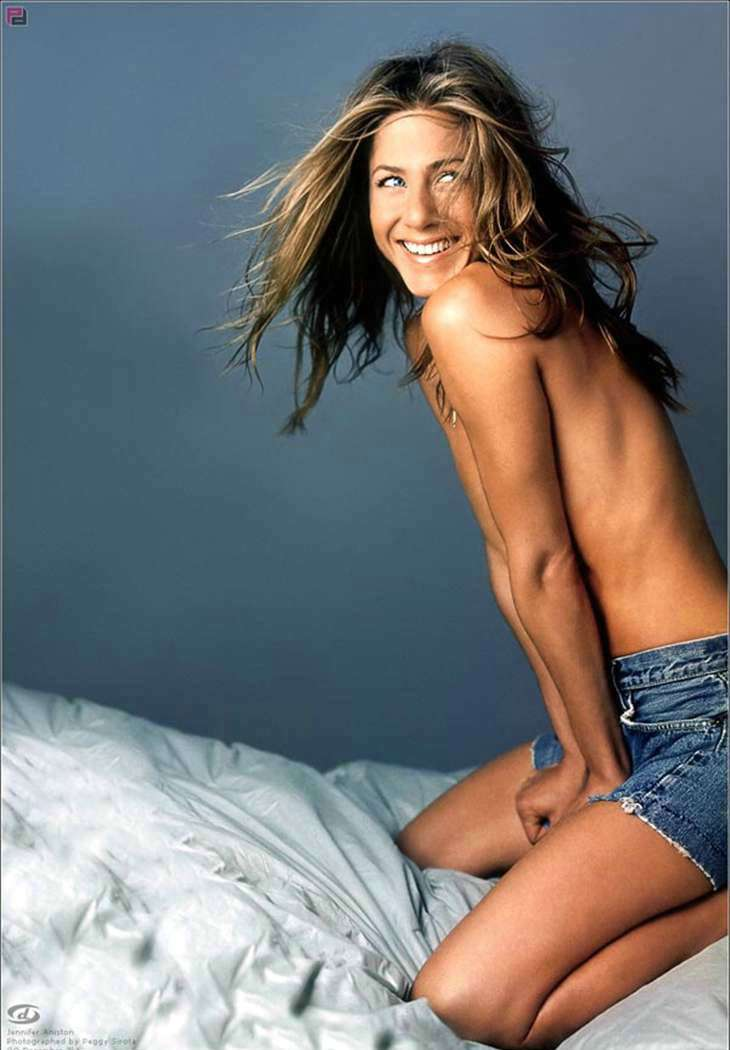 Jennifer Aniston no top on