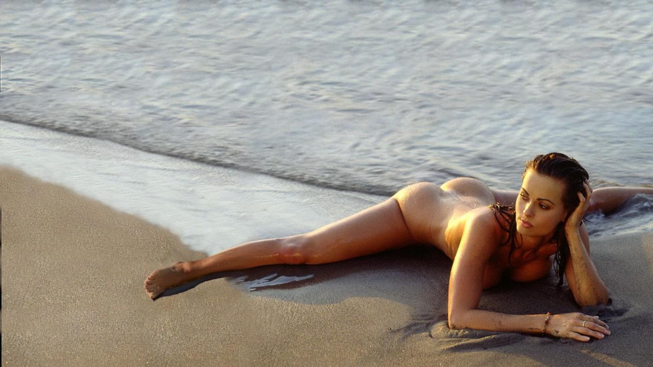 Karen McDougal nude legs spread