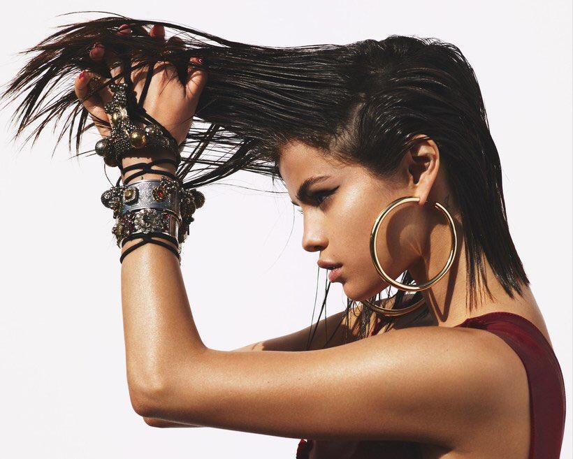 Selena Gomez booty