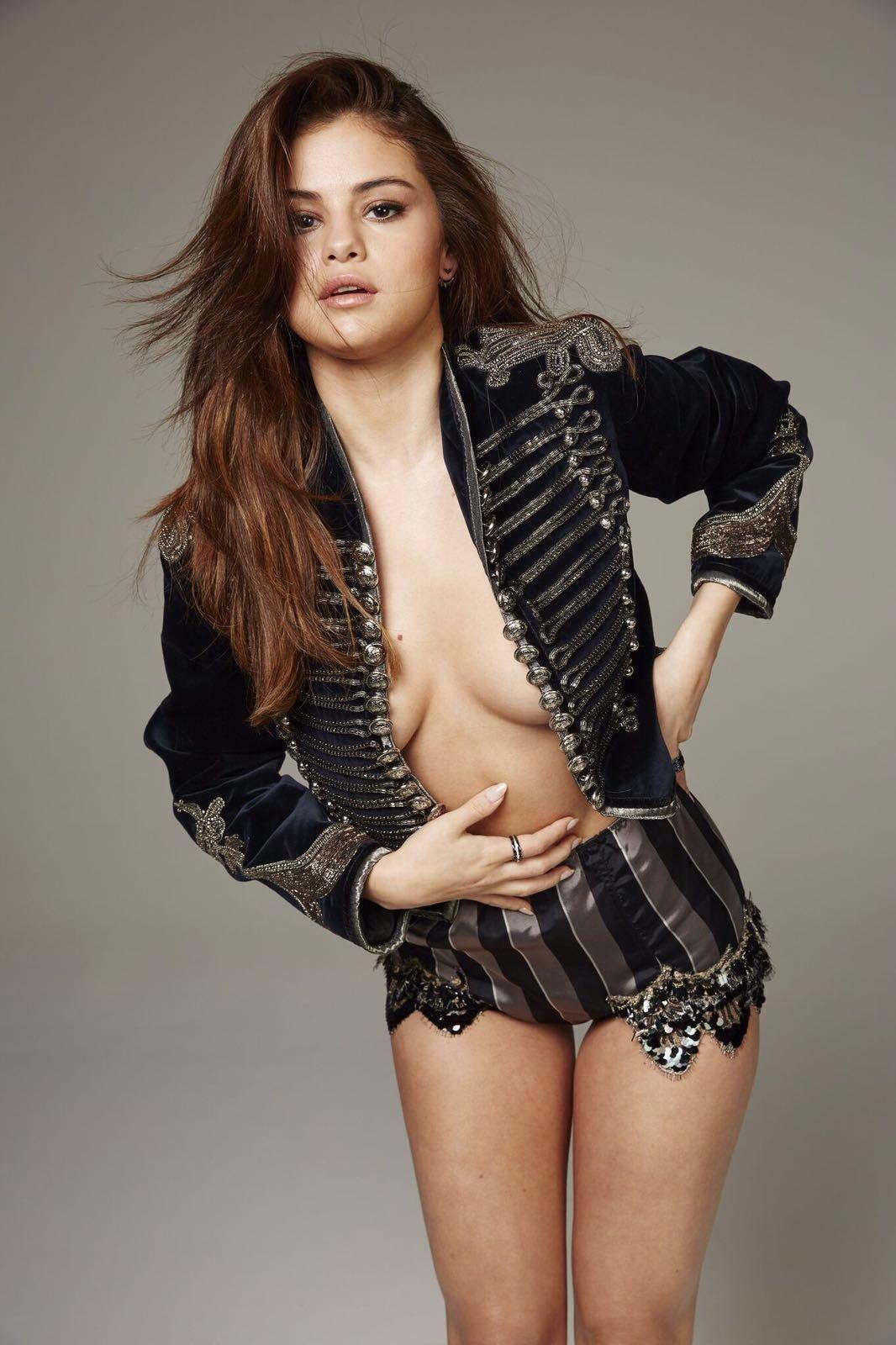 Selena Gomez fappening barechested