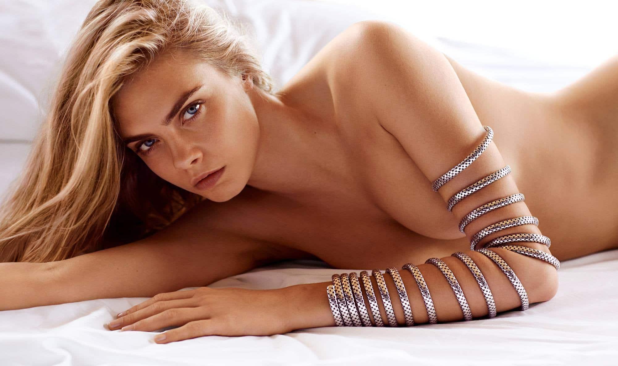 Cara Delevingne boobs show