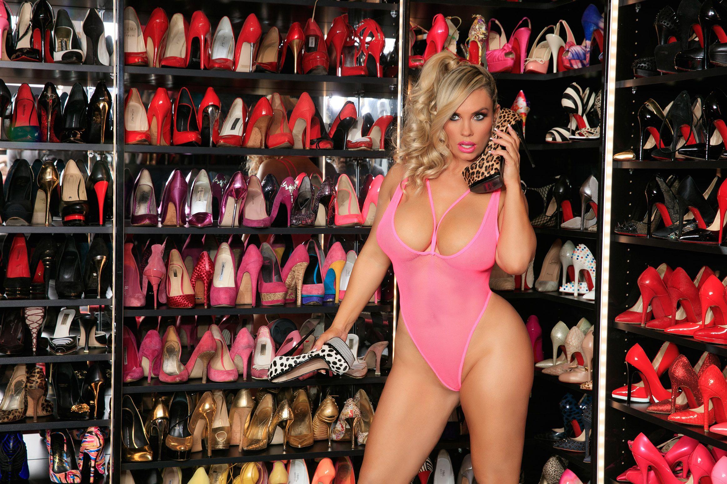 Coco Austin nude boobs