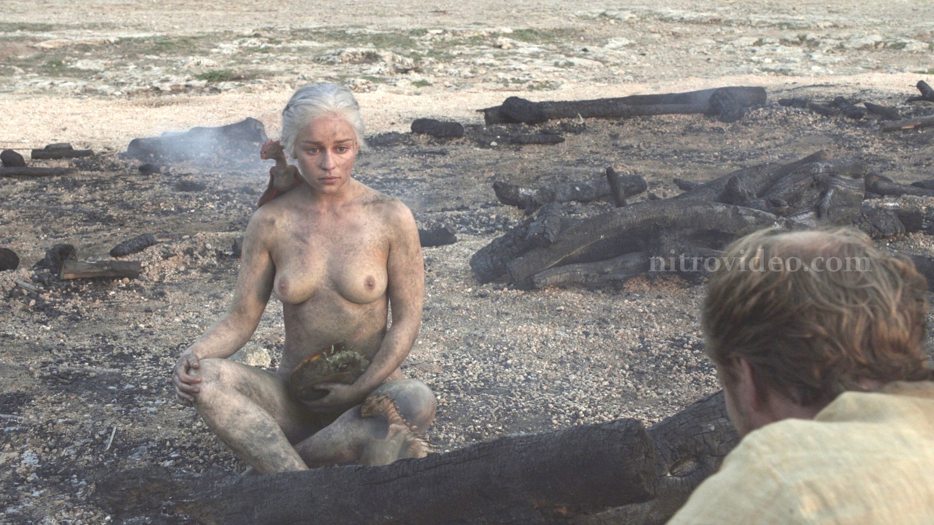 Emilia Clarke nude boobs