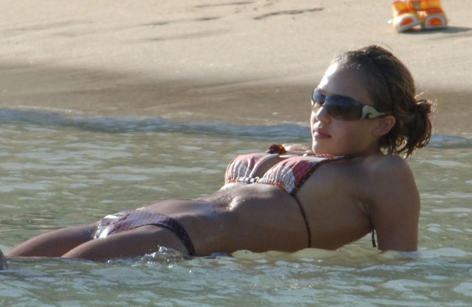 Jessica Alba big boobs