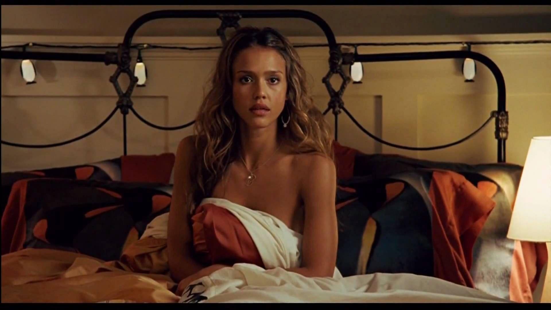 Jessica Alba hot boobs