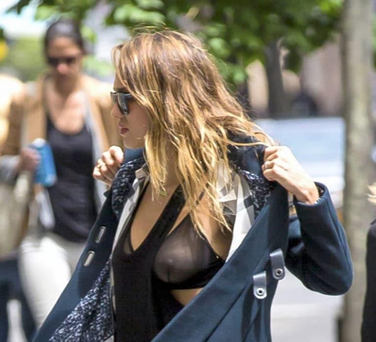 Tits jessica alba Jessica alba