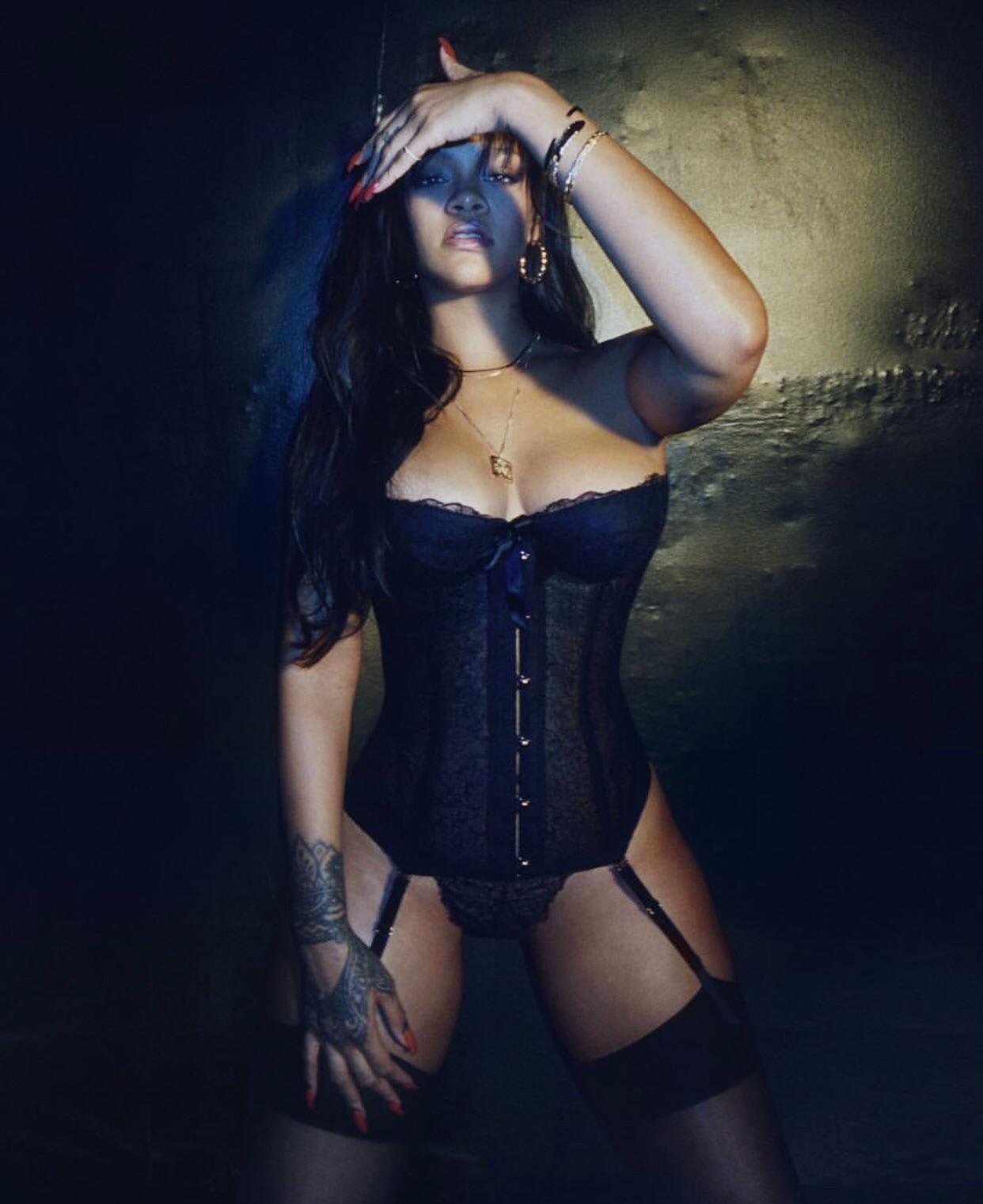 Rihanna sexy lingerie