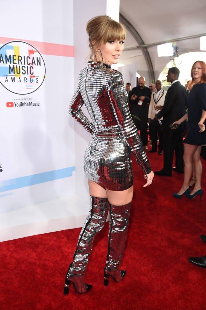 Taylor Swift booty