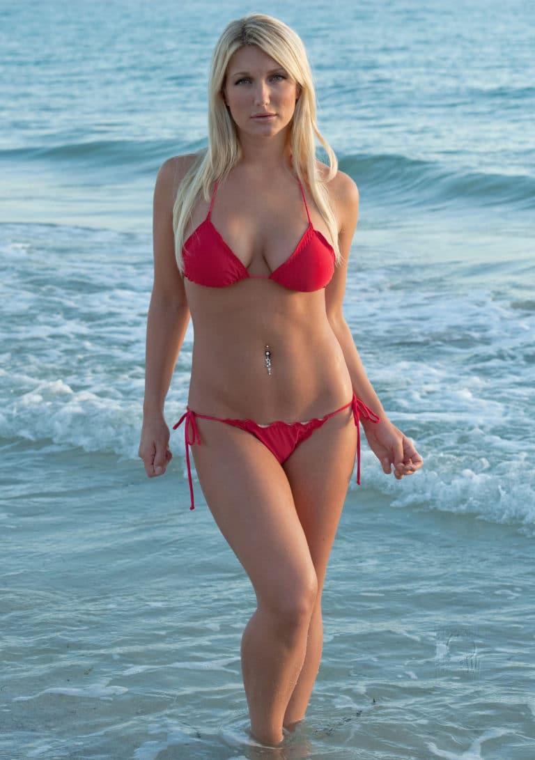 Brooke Hogan nude boobs
