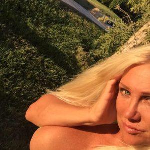 Linda Hogan sexy selfie