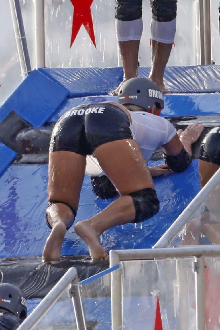 Brooke Hogan ass up